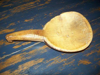 Cuillère à beurre sculptée  2