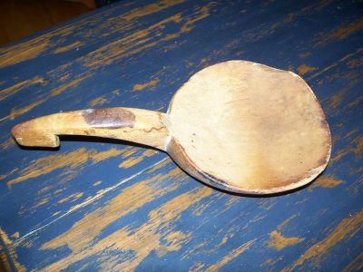 Cuillère à beurre sculptée  6