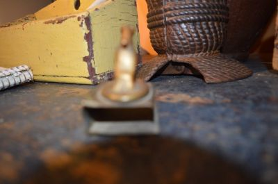 Milou porte alumettes en bronze 3