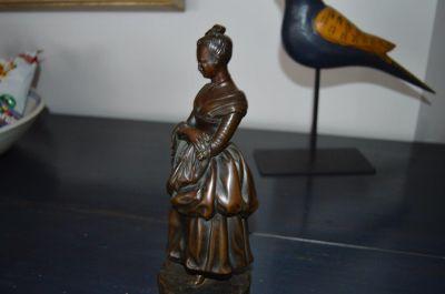 Bronze femme Victorienne 5