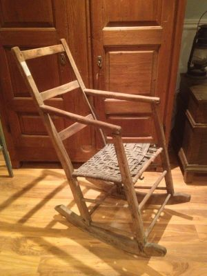 Old rocking chair antiques for Chaise bercante