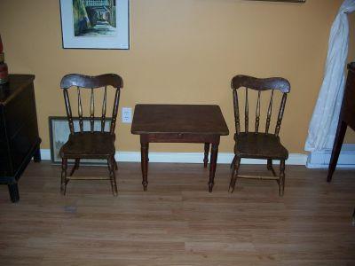 Paire de chaises d'enfant en pin ||| 1