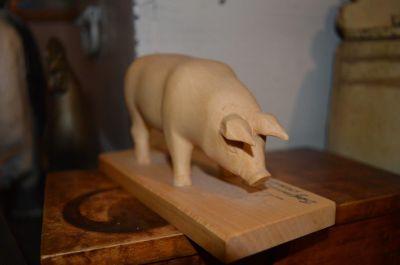 Cochon sculpté 4