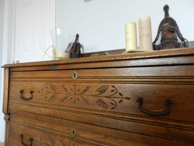 Commode en noyer tendre 3 tiroirs antiquit s for Meuble antique quebecois