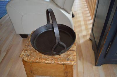 Poêle forgée pour la cire à chandelles 1