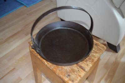 Poêle forgée pour la cire à chandelles 3