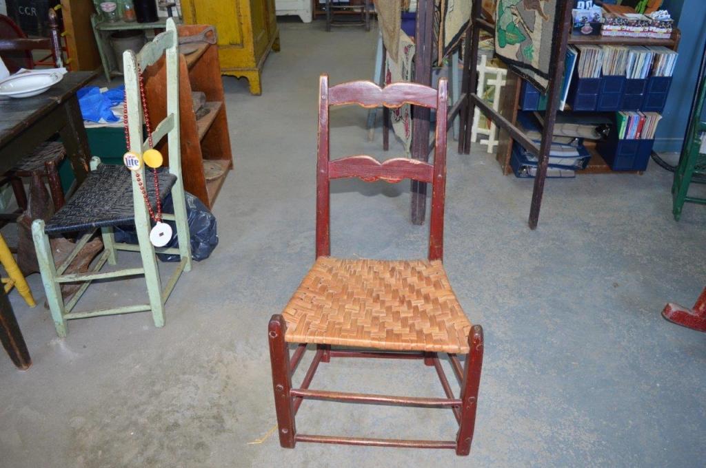 Chaise capucine couleur antiquit s for Chaise capucine
