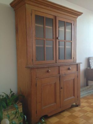 Pine steback buffet with paned window 2