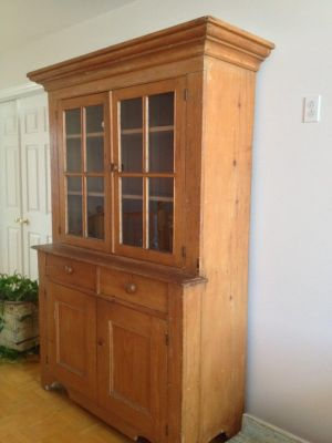 Pine steback buffet with paned window 3