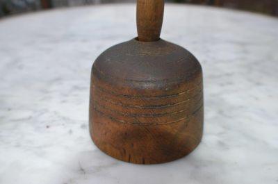 Moule à beurre avec castor sculpté 8
