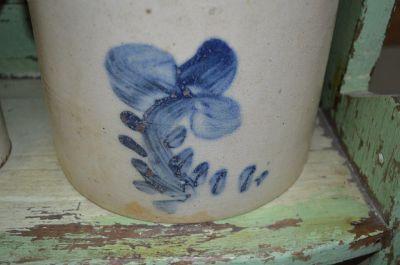Tinette de grès avec fleur 1