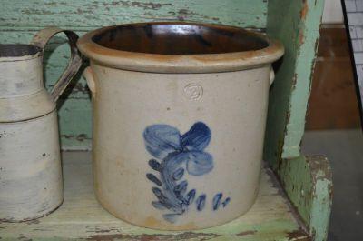 Tinette de grès avec fleur 3