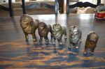 banques lions en fer