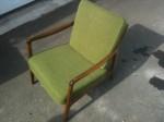 Chaise verte en teak avec coussins de John Stuart